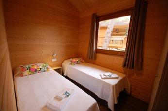 montllor-eco-bungalow-4-camping-cala-llevado-costa-brava