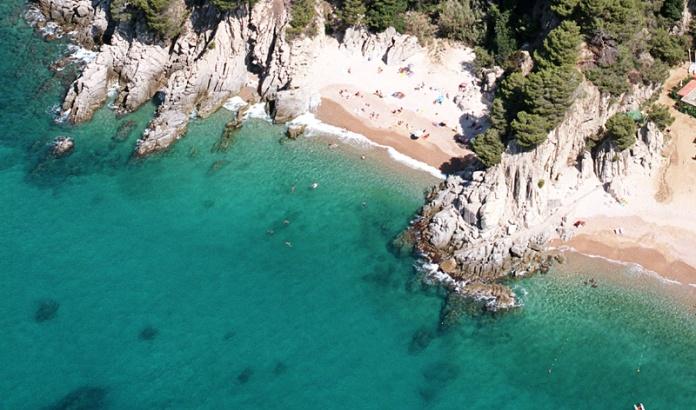 vistaaerea-platges-camping-cala-llevado-costa-brava
